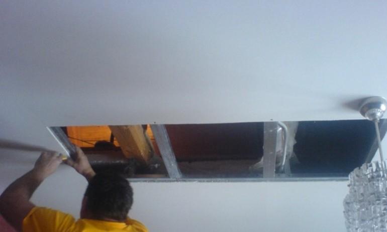 Как удалить пятна на потолке после затопления