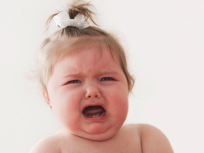 как успокоить малыша когда режутся зубки