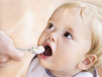 когда начинать прикорм малыша