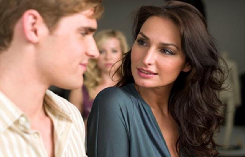 про взаимоотношения зрелых женщин и молодых парней должно создавать