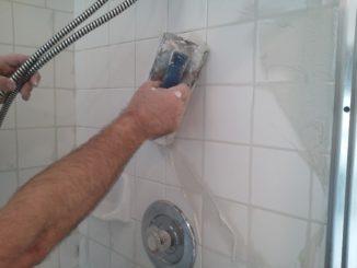 чем отмыть кафель в ванной