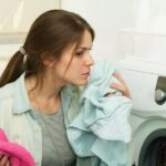 Как быстро избавиться на одежде от неприятного запаха бензина своими руками