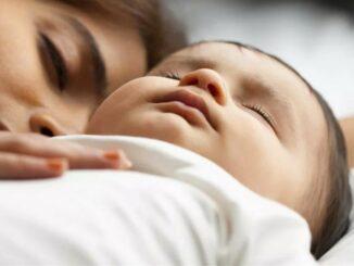 новорожденный перепутал день с ночью, что делать?
