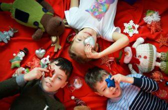 Мальчику нельзя играть с куклами и стыдно плакать – как стереотипы влияют на воспитание детей
