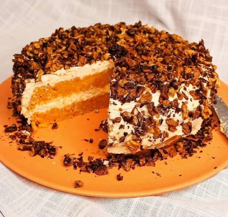 Торт с морковью и грецкими орехами